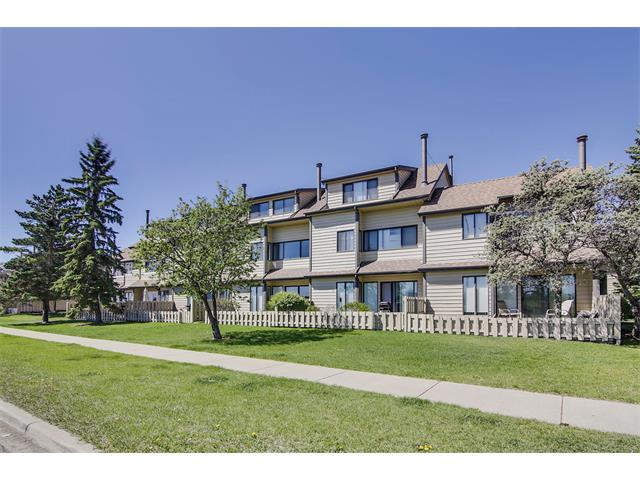Main Photo: GRIER PL NE in Calgary: Greenview House for sale : MLS® # C4013215