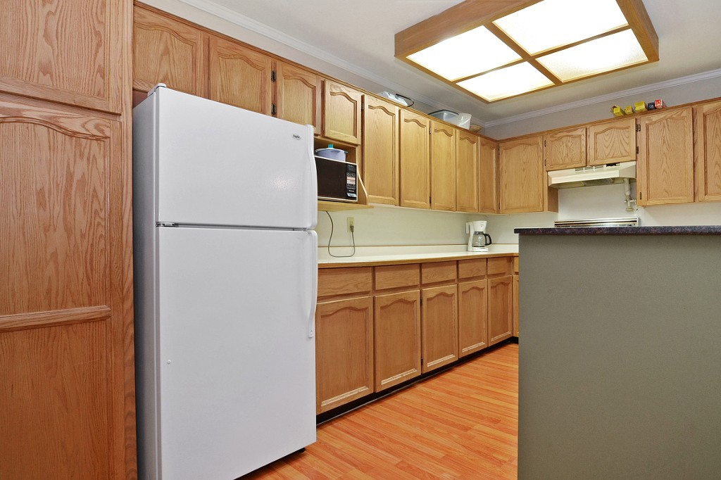"Photo 7: 101 33030 GEORGE FERGUSON Way in Abbotsford: Central Abbotsford Condo for sale in ""Carlise"" : MLS® # F1446817"