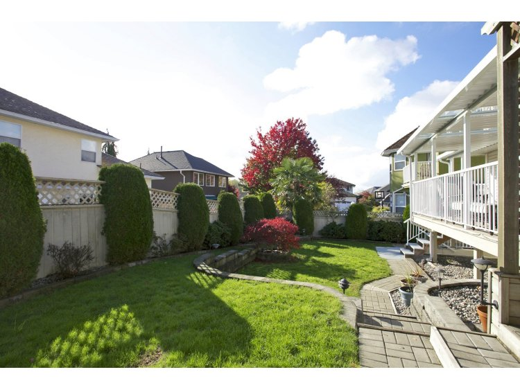 "Photo 38: 31452 JEAN Court in Abbotsford: Abbotsford West House for sale in ""Bedford Landing"" : MLS(r) # R2012807"