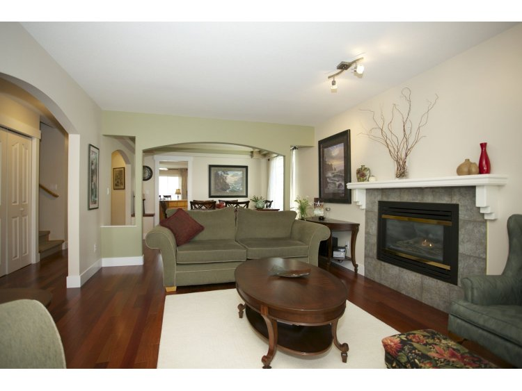 "Photo 5: 31452 JEAN Court in Abbotsford: Abbotsford West House for sale in ""Bedford Landing"" : MLS(r) # R2012807"