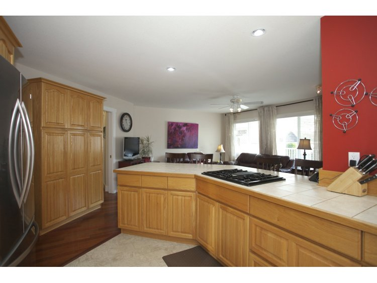 "Photo 13: 31452 JEAN Court in Abbotsford: Abbotsford West House for sale in ""Bedford Landing"" : MLS(r) # R2012807"