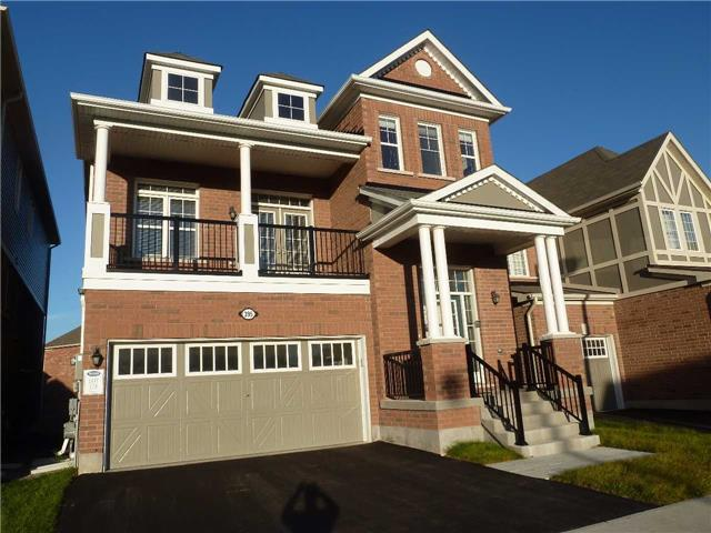 Main Photo: 395 Trudeau Drive in Milton: Clarke House (2-Storey) for sale : MLS(r) # W3356583