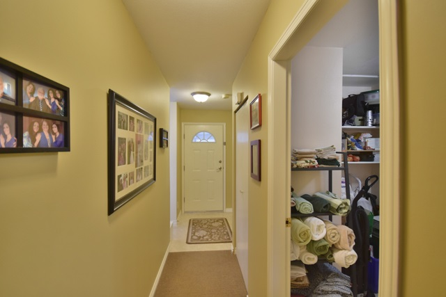 "Photo 14: 8 7127 124 Street in Surrey: West Newton Townhouse for sale in ""CAMELLIA WYNDE"" : MLS® # R2023947"