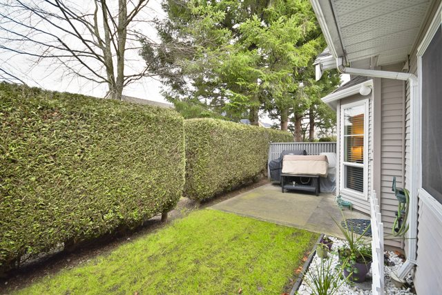 "Photo 9: 8 7127 124 Street in Surrey: West Newton Townhouse for sale in ""CAMELLIA WYNDE"" : MLS® # R2023947"