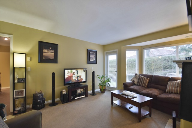 "Photo 4: 8 7127 124 Street in Surrey: West Newton Townhouse for sale in ""CAMELLIA WYNDE"" : MLS® # R2023947"