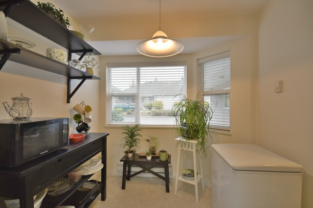"Photo 8: 8 7127 124 Street in Surrey: West Newton Townhouse for sale in ""CAMELLIA WYNDE"" : MLS® # R2023947"