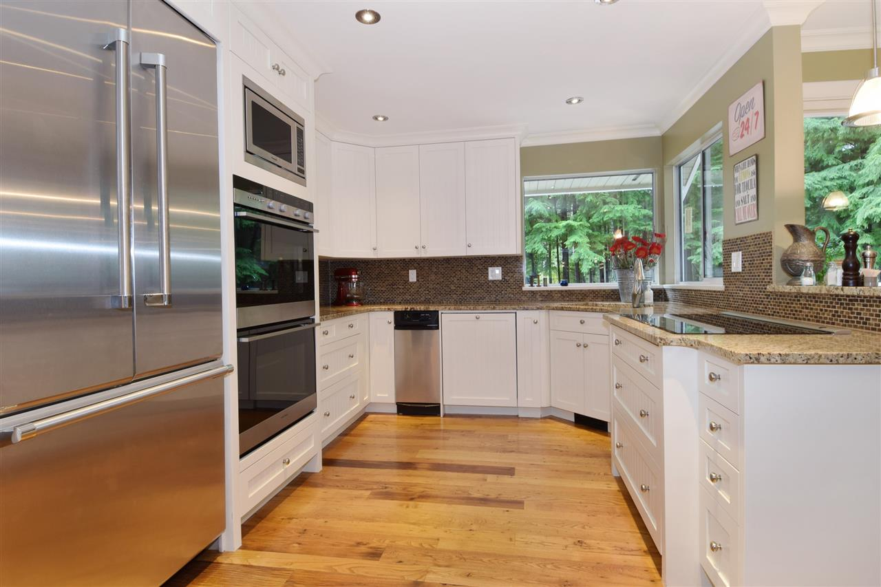 "Photo 5: 5545 DEERHORN Lane in North Vancouver: Grouse Woods House for sale in ""GROUSEWOODS"" : MLS(r) # R2031482"