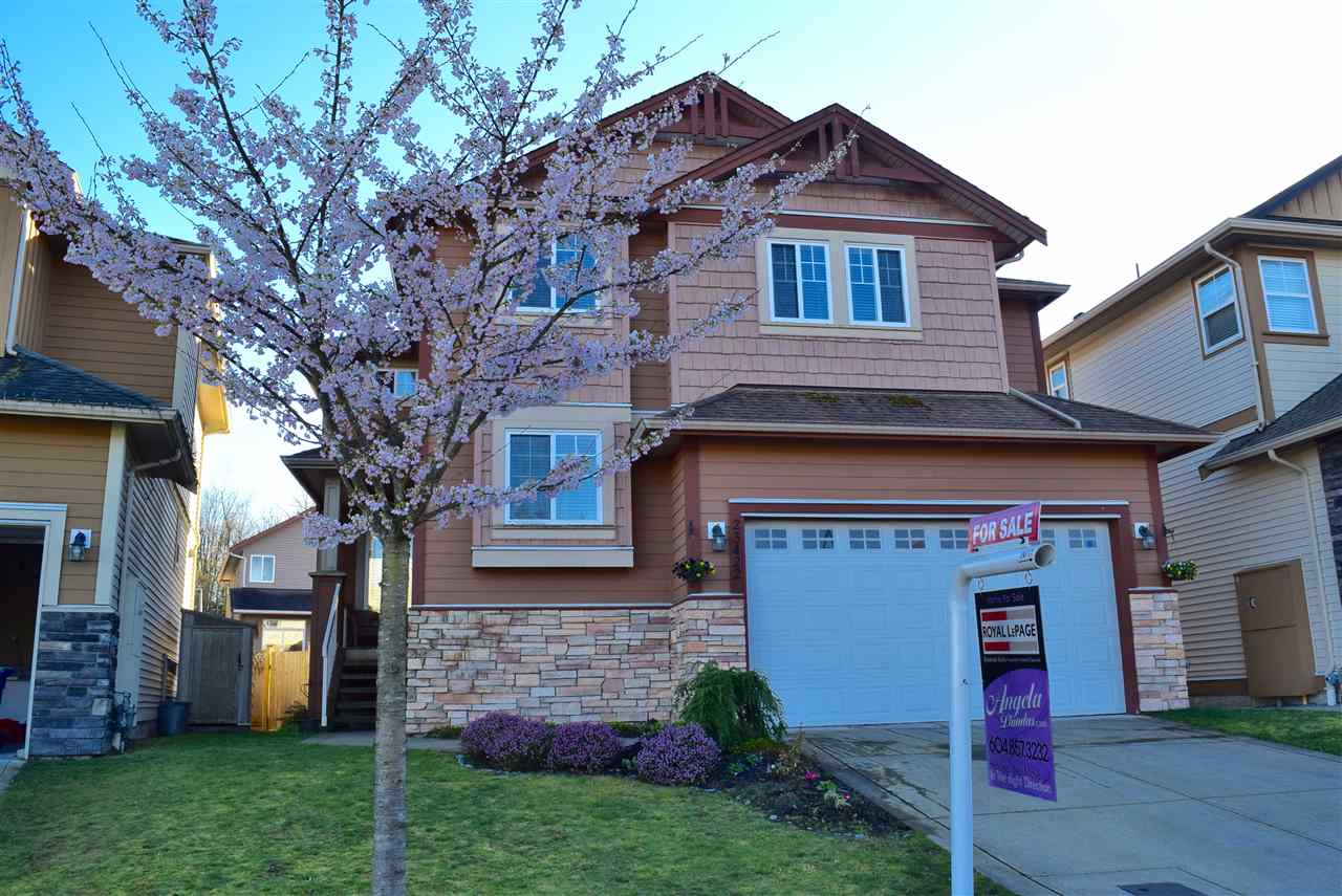 FEATURED LISTING: 23422 GRIFFEN Road Maple Ridge