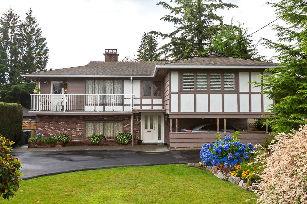 "Main Photo: 961 BALBIRNIE Boulevard in Port Moody: Glenayre House for sale in ""Glenayre"" : MLS®# R2087414"
