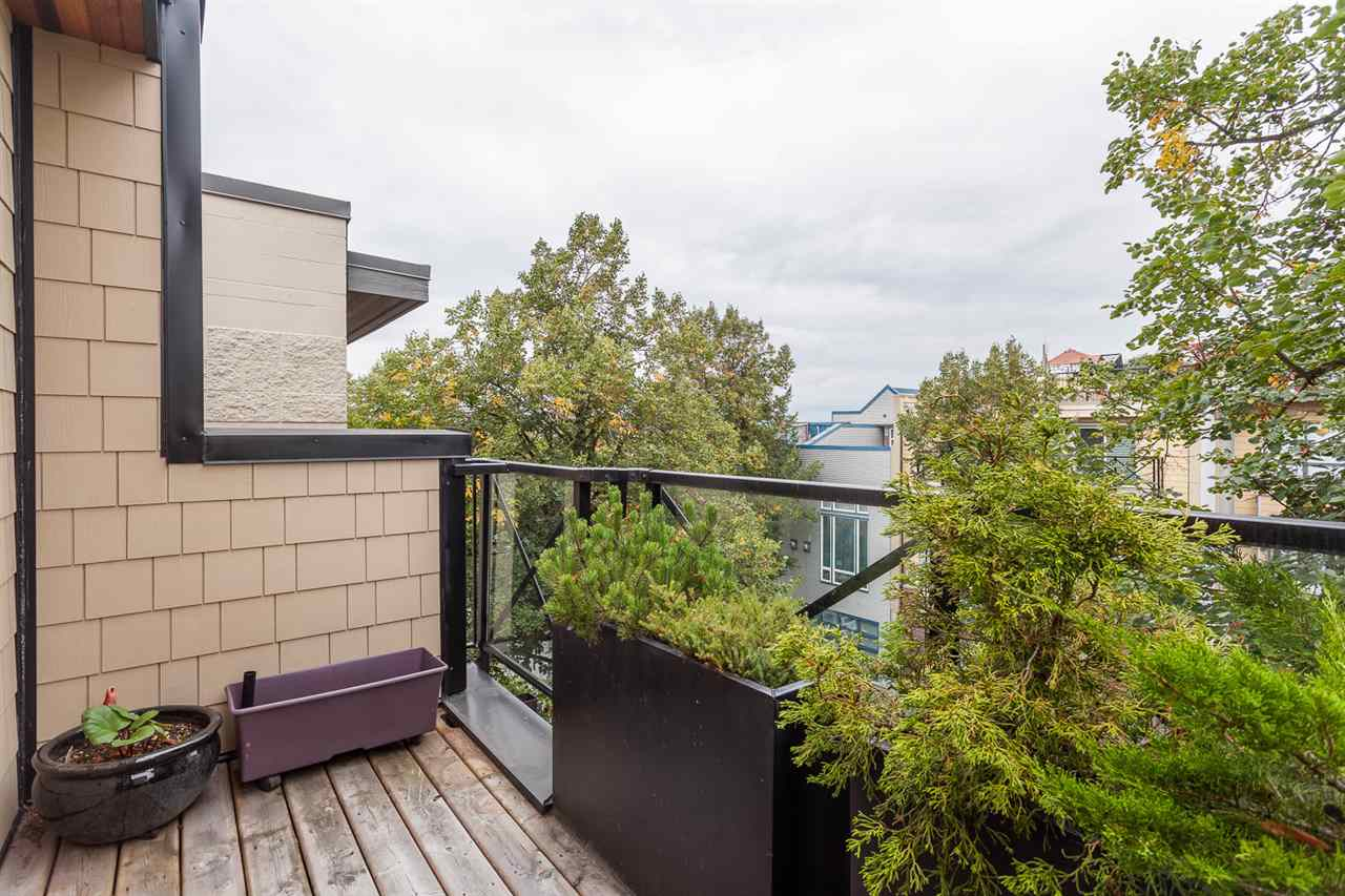 "Photo 11: 203 3715 COMMERCIAL Street in Vancouver: Victoria VE Townhouse for sale in ""O2"" (Vancouver East)  : MLS® # R2107847"