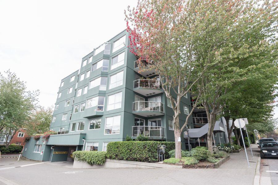 "Photo 17: 105 1510 W 1ST Avenue in Vancouver: False Creek Condo for sale in ""MARINER POINT"" (Vancouver West)  : MLS® # R2114672"