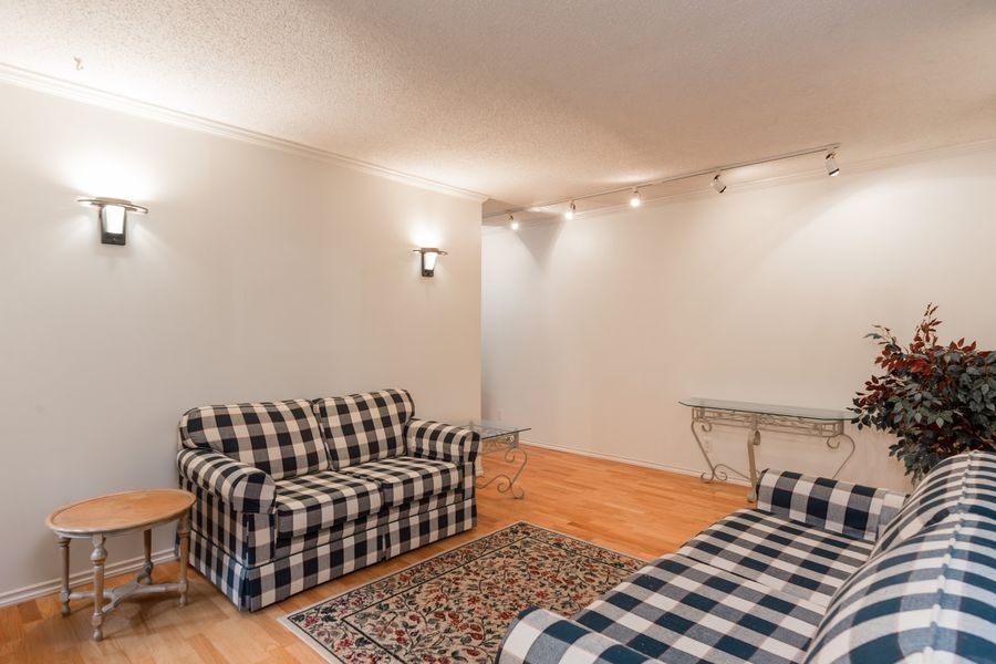 "Photo 5: 105 1510 W 1ST Avenue in Vancouver: False Creek Condo for sale in ""MARINER POINT"" (Vancouver West)  : MLS® # R2114672"