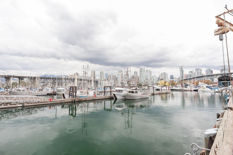 "Photo 20: 105 1510 W 1ST Avenue in Vancouver: False Creek Condo for sale in ""MARINER POINT"" (Vancouver West)  : MLS® # R2114672"