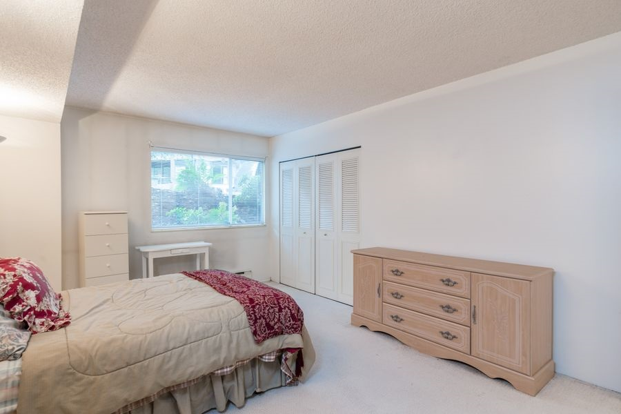 "Photo 11: 105 1510 W 1ST Avenue in Vancouver: False Creek Condo for sale in ""MARINER POINT"" (Vancouver West)  : MLS® # R2114672"