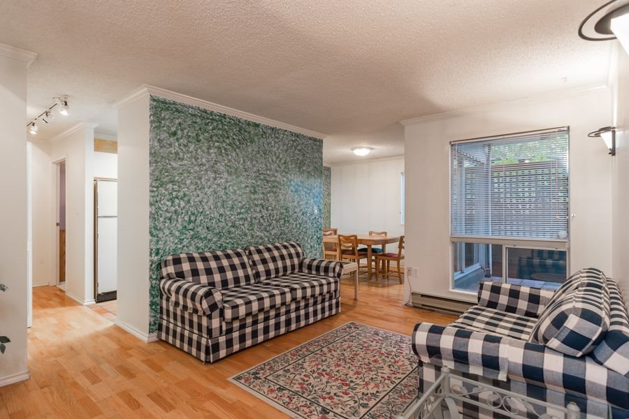 "Photo 2: 105 1510 W 1ST Avenue in Vancouver: False Creek Condo for sale in ""MARINER POINT"" (Vancouver West)  : MLS® # R2114672"