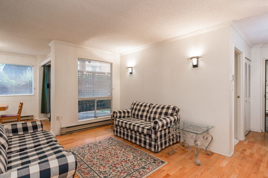 "Photo 4: 105 1510 W 1ST Avenue in Vancouver: False Creek Condo for sale in ""MARINER POINT"" (Vancouver West)  : MLS® # R2114672"