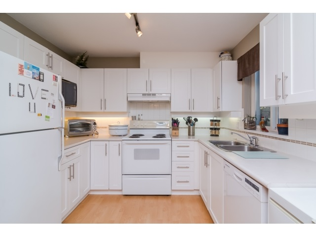 Main Photo: 106 19750 64 AVENUE in : Willoughby Heights Condo for sale : MLS® # R2016215