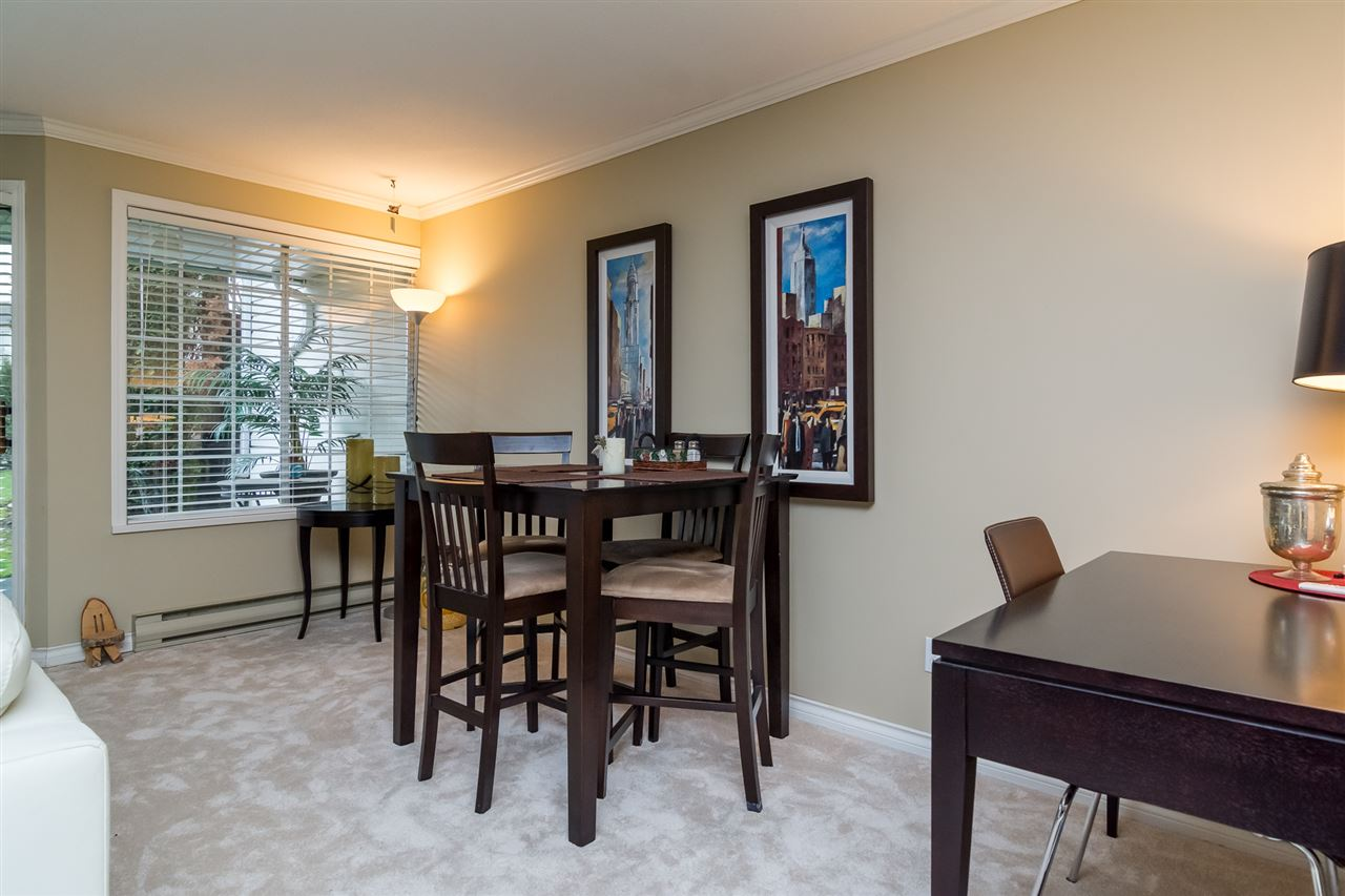 "Photo 5: 46 3115 TRAFALGAR Street in Abbotsford: Central Abbotsford Townhouse for sale in ""CEDARBROOK VILLAGE"" : MLS® # R2140999"