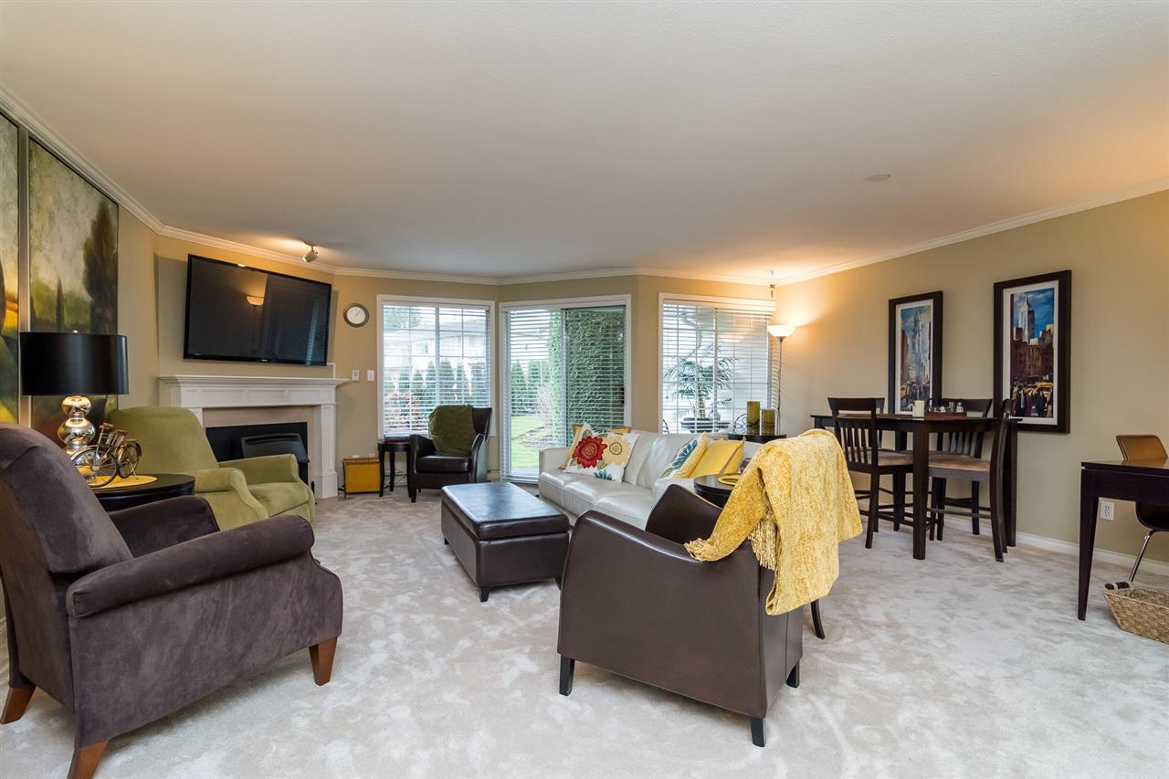 "Photo 3: 46 3115 TRAFALGAR Street in Abbotsford: Central Abbotsford Townhouse for sale in ""CEDARBROOK VILLAGE"" : MLS® # R2140999"