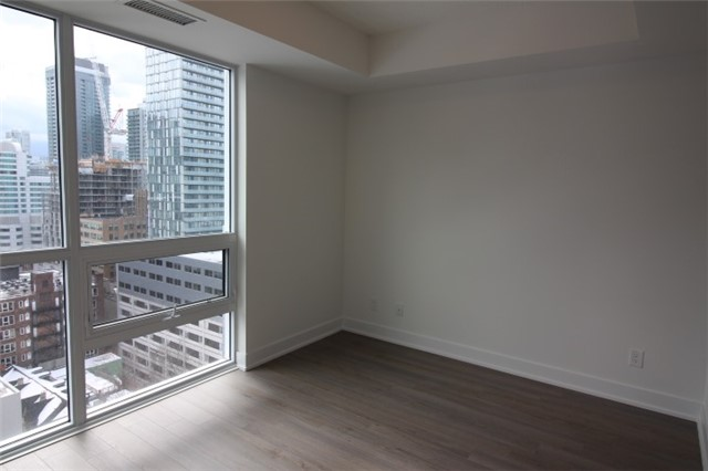 Photo 6: 1706 310 W Richmond Street in Toronto: Waterfront Communities C1 Condo for lease (Toronto C01)  : MLS® # C3725929