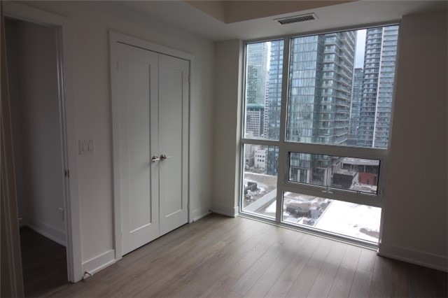 Photo 7: 1706 310 W Richmond Street in Toronto: Waterfront Communities C1 Condo for lease (Toronto C01)  : MLS® # C3725929