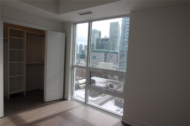 Photo 8: 1706 310 W Richmond Street in Toronto: Waterfront Communities C1 Condo for lease (Toronto C01)  : MLS® # C3725929