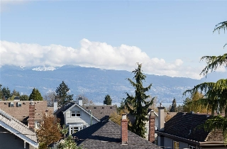 Main Photo: 206 4463 W 10TH Avenue in Vancouver: Point Grey Condo for sale (Vancouver West)  : MLS(r) # R2157140