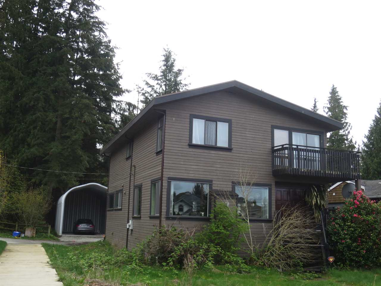Main Photo: 1940 LARSON Road in North Vancouver: Hamilton House for sale : MLS(r) # R2158674