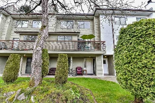 Main Photo: 102 7162 133A Street in Surrey: West Newton Townhouse for sale : MLS® # R2161746