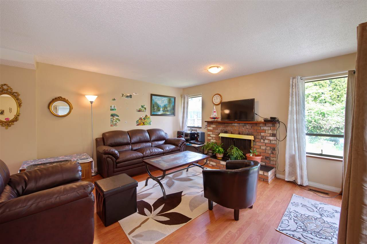 Photo 7: 21591 CHERRINGTON Avenue in Maple Ridge: West Central House for sale : MLS(r) # R2168742
