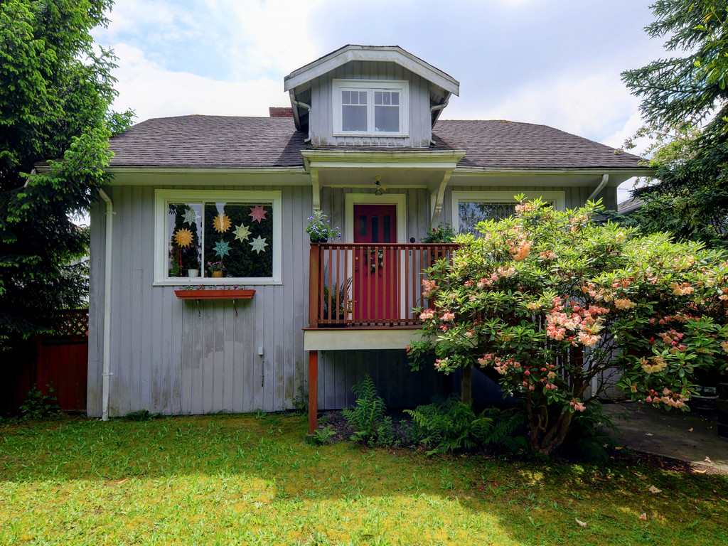 FEATURED LISTING: 4060 ETON Street Burnaby