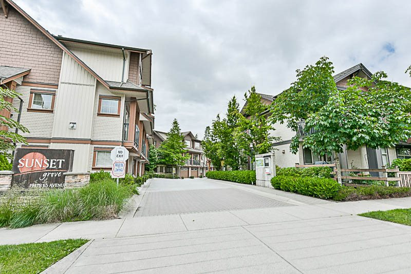 "Main Photo: 60 19478 65TH Avenue in Surrey: Clayton Townhouse for sale in ""Sunset Grove"" (Cloverdale)  : MLS(r) # R2176912"