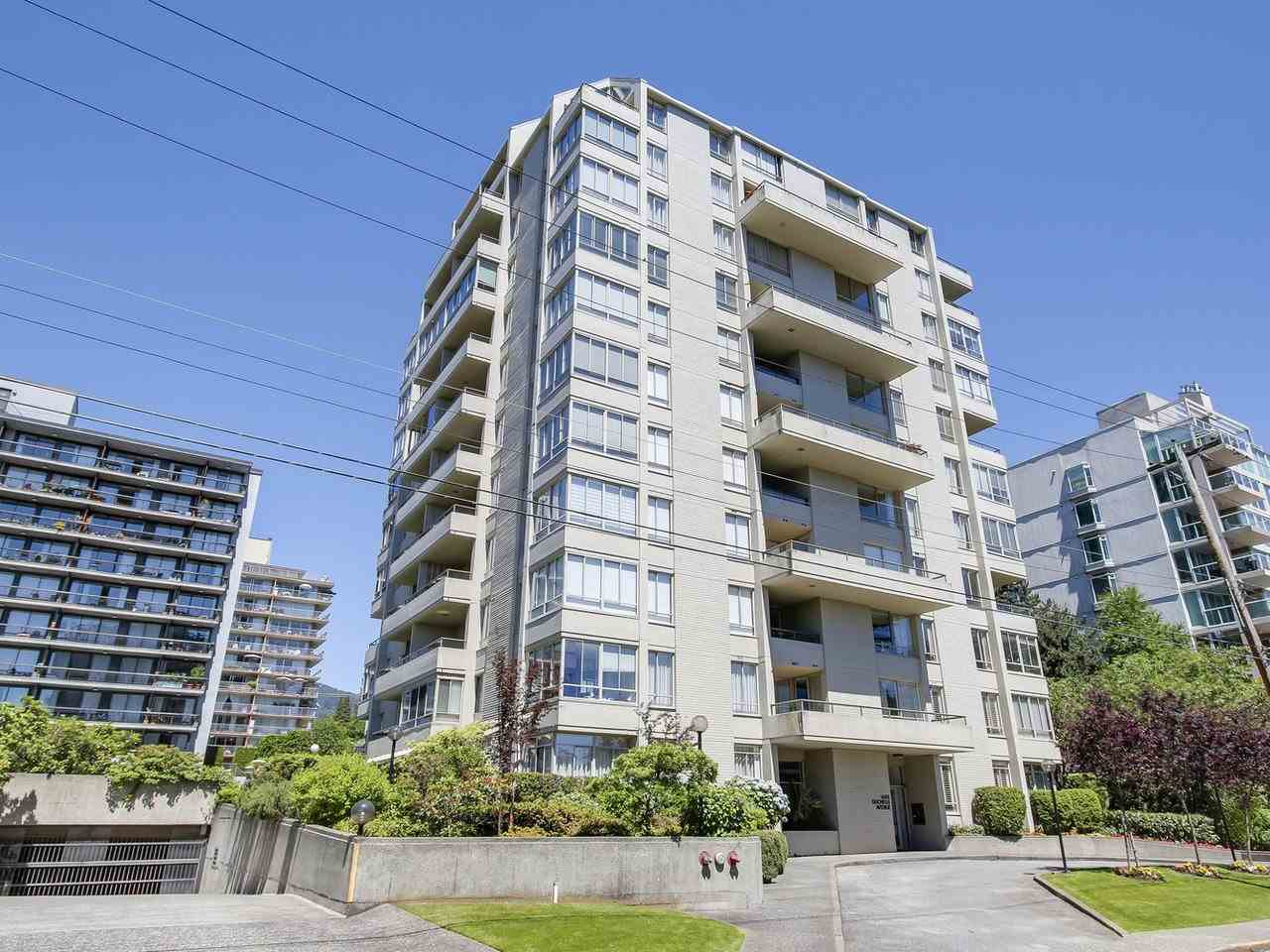 "Main Photo: 201 1485 DUCHESS Avenue in West Vancouver: Ambleside Condo for sale in ""The Mermaid"" : MLS(r) # R2181837"