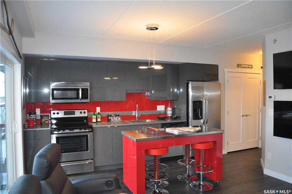 Main Photo: 204 550 4th Avenue North in Saskatoon: City Park Residential for sale : MLS®# SK704212