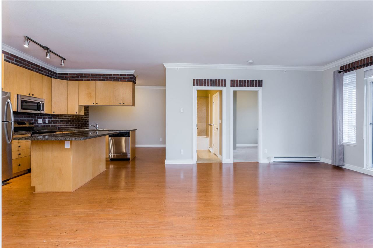 "Photo 8: Photos: 510 8717 160 Street in Surrey: Fleetwood Tynehead Condo for sale in ""Vernazza"" : MLS® # R2220479"