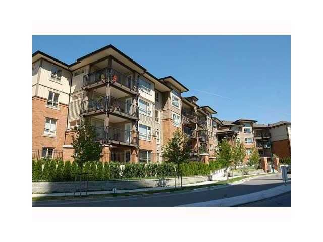 "Main Photo: 104 600 KLAHANIE Drive in Port Moody: Port Moody Centre Condo for sale in ""KLAHANIE'S BOARDWALK"" : MLS® # R2239996"