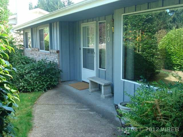 Main Photo: 210 HOYLAKE E ROAD in QUALICUM BEACH: Z5 Qualicum Beach House for sale (Zone 5 - Parksville/Qualicum)  : MLS(r) # 344708
