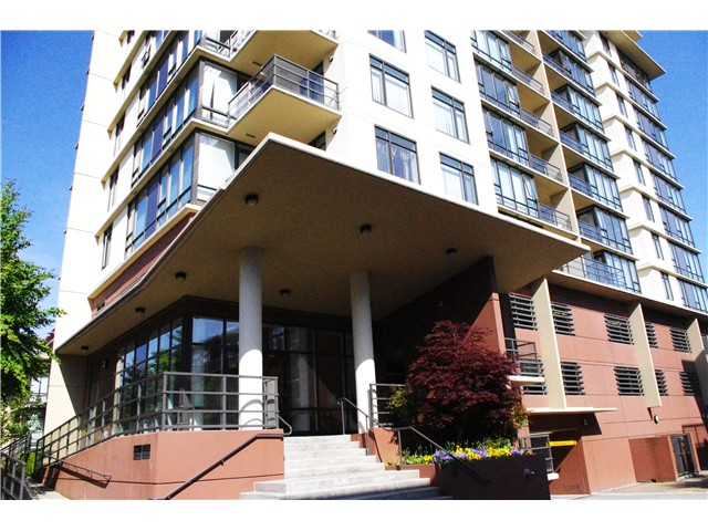"Main Photo: 817 9171 FERNDALE Road in Richmond: McLennan North Condo for sale in ""FULLERTON"" : MLS(r) # V1053015"