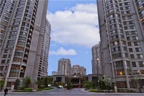 Main Photo: 1607 3880 Duke Of York Boulevard in Mississauga: City Centre Condo for sale : MLS® # W3178290