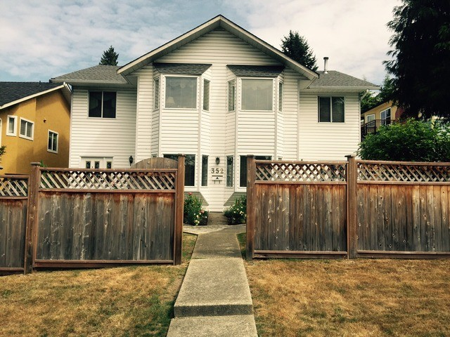 "Main Photo: 352 W 25TH Street in North Vancouver: Upper Lonsdale House for sale in ""UPPER LONSDALE"" : MLS® # V1130251"