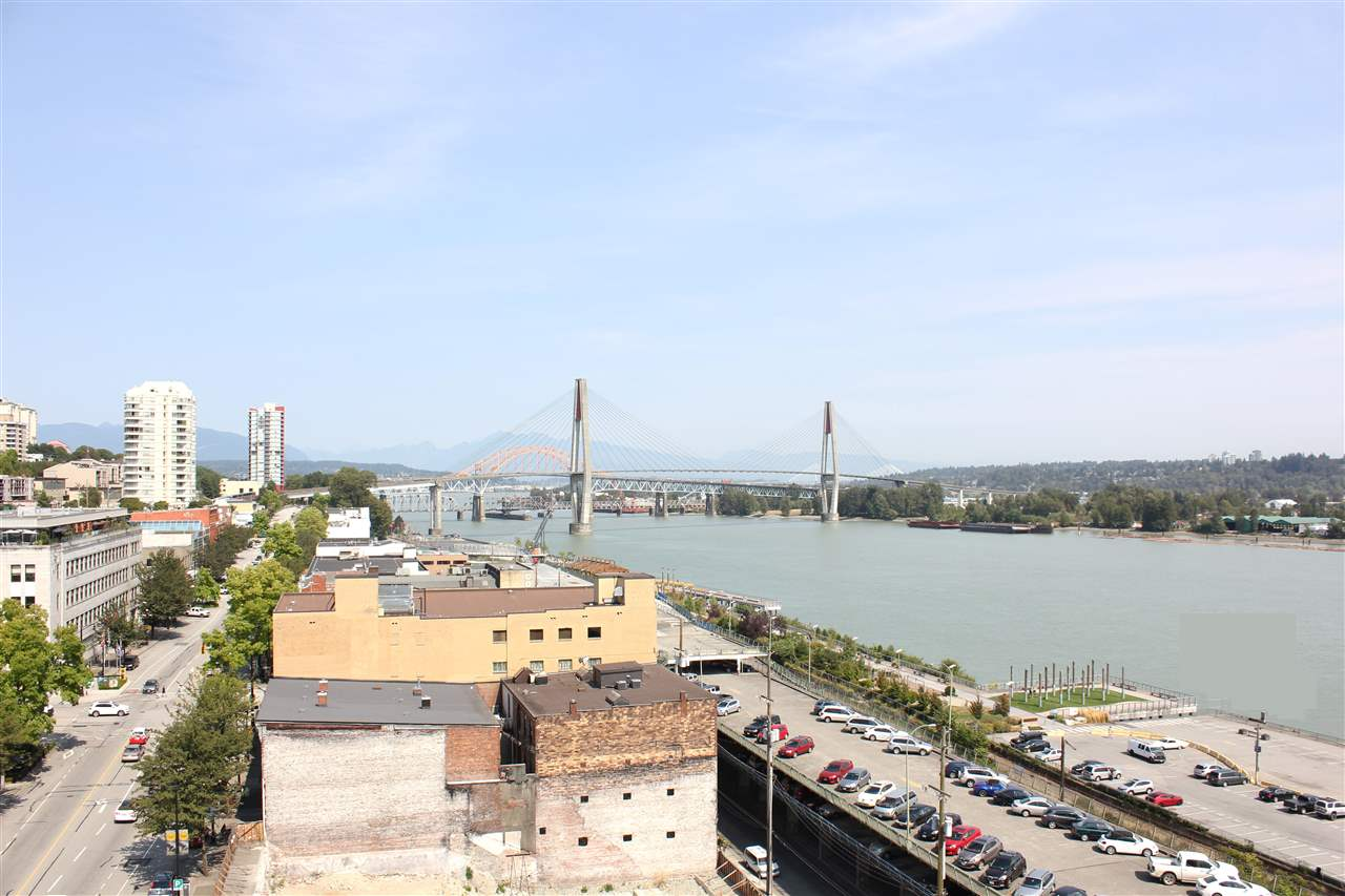 "Main Photo: 1205 668 COLUMBIA Street in New Westminster: Quay Condo for sale in ""TRAPP+HOLBROOK"" : MLS(r) # V1132613"