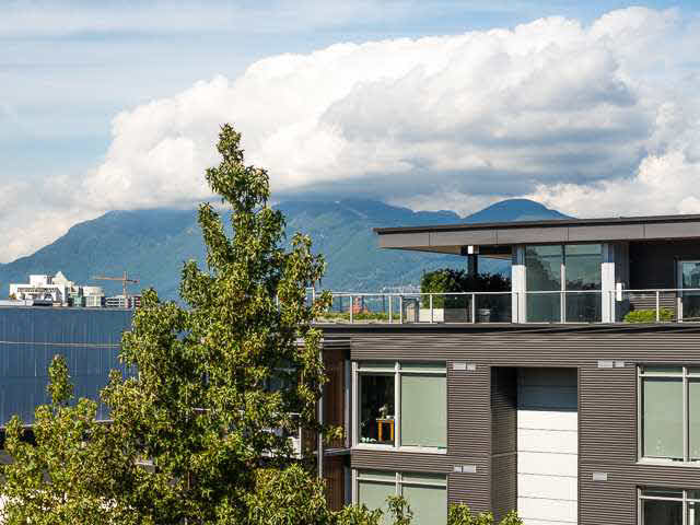 "Main Photo: 317 237 E 4TH Avenue in Vancouver: Mount Pleasant VE Condo for sale in ""ARTWORKS"" (Vancouver East)  : MLS® # V1143418"
