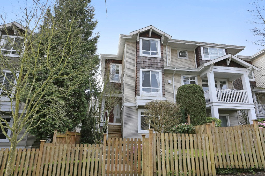 "Main Photo: 6 15030 58 Avenue in Surrey: Sullivan Station Townhouse for sale in ""Summerleaf"" : MLS® # R2040245"