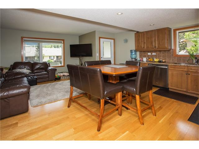Photo 2: 23 100 Rundle Drive: Canmore House for sale : MLS® # C4067595