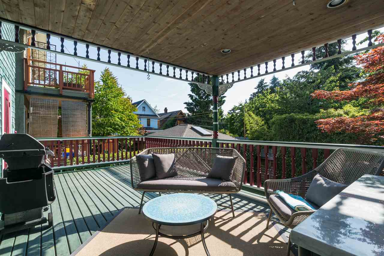 Photo 18: 1147 SEMLIN Drive in Vancouver: Grandview VE House for sale (Vancouver East)  : MLS® # R2079437