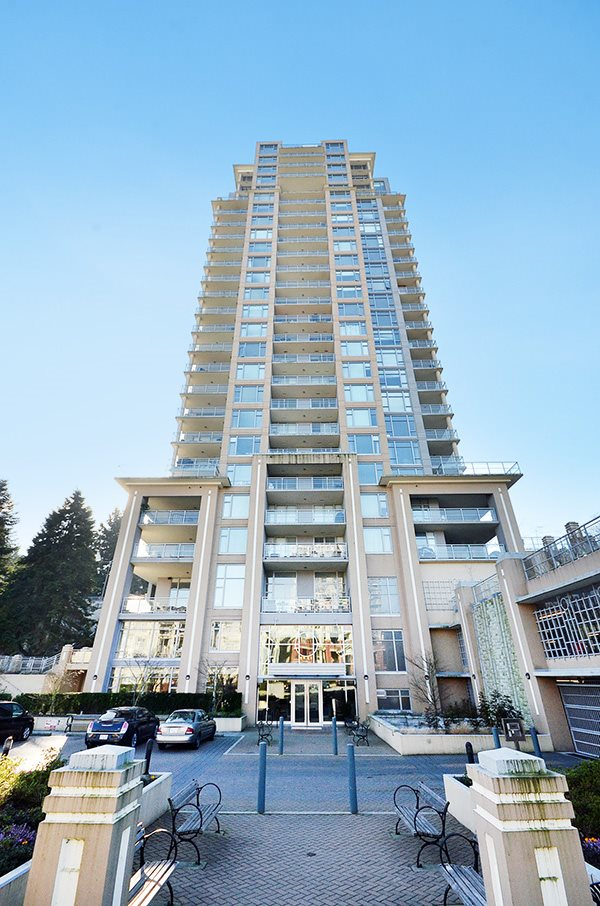 "Main Photo: 2706 280 ROSS Drive in New Westminster: Fraserview NW Condo for sale in ""CARLYLE"" : MLS®# R2082158"
