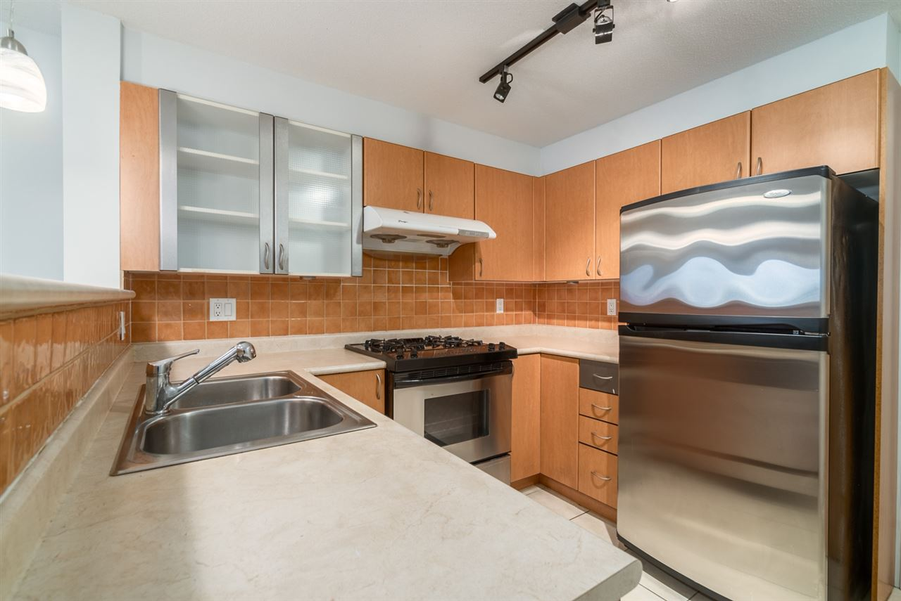 "Main Photo: 309 2741 E HASTINGS Street in Vancouver: Hastings East Condo for sale in ""RIVIERA"" (Vancouver East)  : MLS® # R2116678"