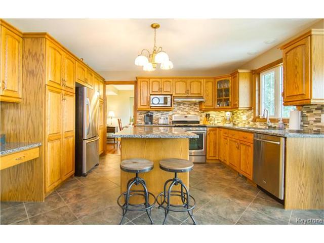 Photo 12: 3930 MOWAT Road: East St Paul Residential for sale (3P)  : MLS® # 1701039