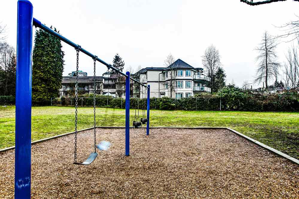 "Photo 20: 213 7139 18TH Avenue in Burnaby: Edmonds BE Condo for sale in ""CRYSTAL GATE"" (Burnaby East)  : MLS® # R2146247"