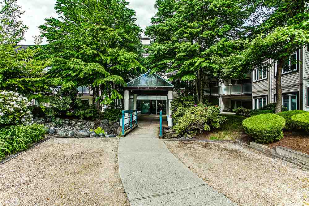 "Photo 16: 213 7139 18TH Avenue in Burnaby: Edmonds BE Condo for sale in ""CRYSTAL GATE"" (Burnaby East)  : MLS® # R2146247"